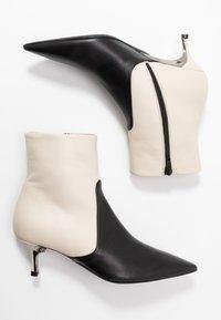 Furla - BOOT - Classic ankle boots - petalo/onyx - 3
