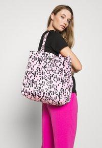 Furla - DIGIT TOTE - Shopping bag - rosa - 1