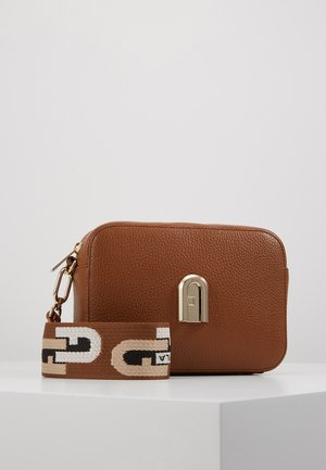 SLEEK MINI CROSSBODY - Across body bag - cognac