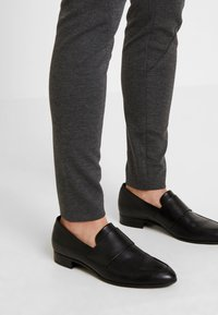 Fiveunits - ANGELIE - Trousers - zinny - 3
