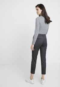 Fiveunits - KYLIE COPPED - Broek - grey abolone - 3