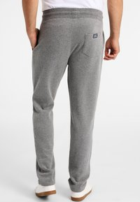 Funky Buddha - ATHLETIC - Spodnie treningowe - medium grey melange - 2
