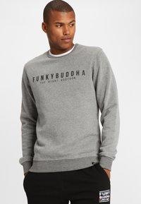 Funky Buddha - THE RIGHT KOOTOOR - Bluza - mottled grey - 0