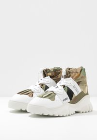 F_WD - High-top trainers - white - 4