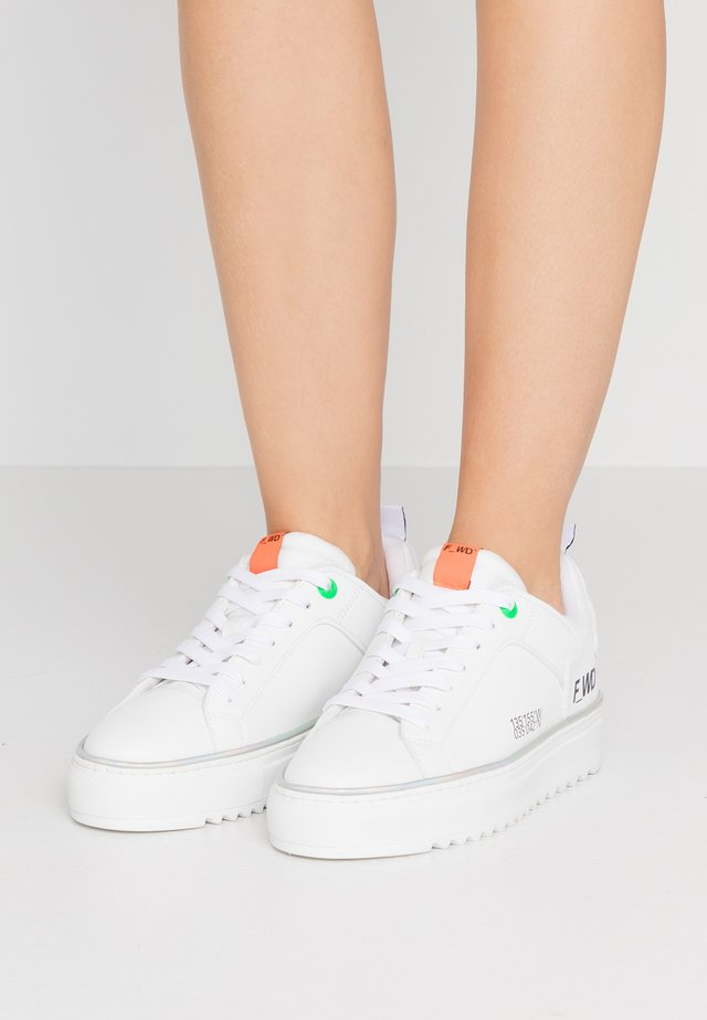 Sneakers laag - white/progreen
