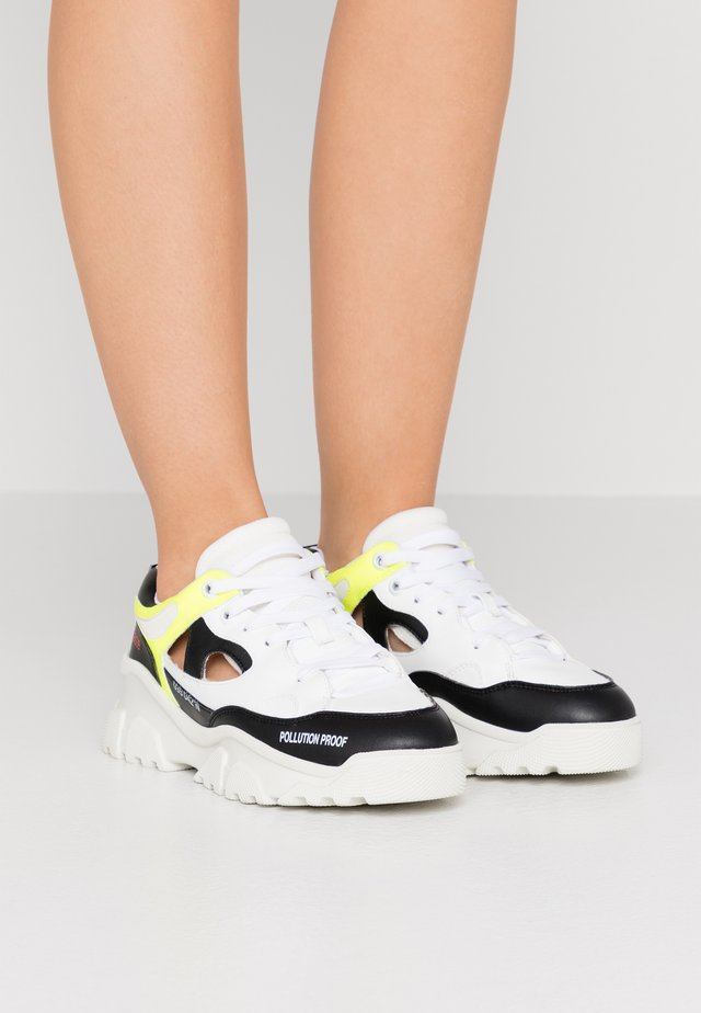 Sneakers laag - black/white/fluo yellow/maori white