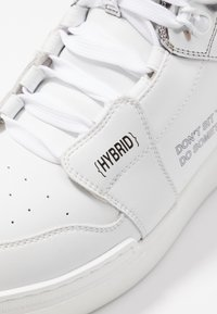 F_WD - High-top trainers - white/silver - 2