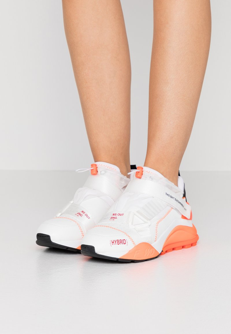 F_WD - Zapatillas - white/black/fluo orange