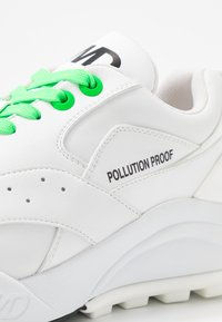 F_WD - Trainers - white - 2