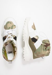 F_WD - High-top trainers - white/majotech mud - 1