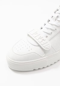 F_WD - High-top trainers - exagon white/econappa white - 6