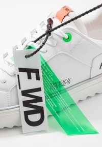 F_WD - Sneakers basse - white - 6