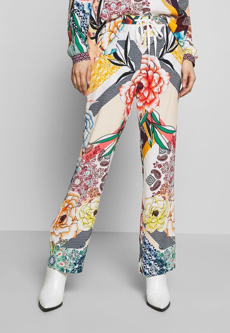 Grace - PANTS WHISTON - Trousers - sand