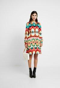 Grace - Vestido camisero - multicolor - 2