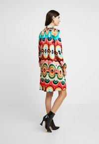 Grace - Vestido camisero - multicolor - 3