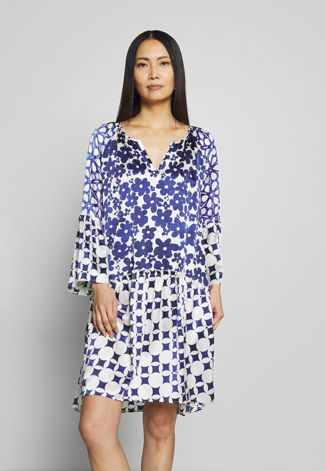 DRESS PATCH - Korte jurk - indigo