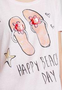Grace - FLIPFLOPS - Camiseta estampada - pale rose - 4