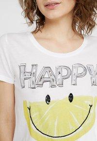 Grace - HAPPY - T-Shirt print - white - 4