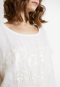 Grace - PALM BEACH - Blusa - white - 4