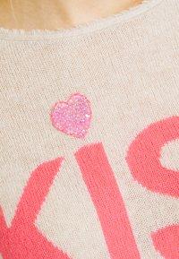 Grace - KISS - Jumper - sand - 5