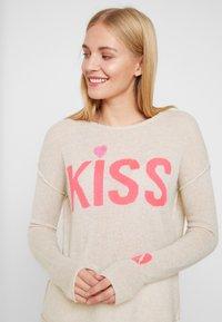 Grace - KISS - Jumper - sand - 3