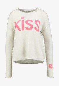 Grace - KISS - Jumper - sand - 4