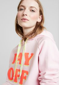 Grace - DAY OFF - Jersey con capucha - pale rose - 3