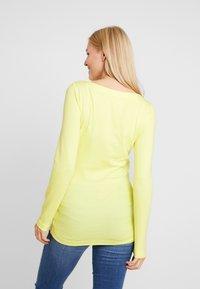 GAP Maternity - MODERN BOATNECK - Långärmad tröja - fresh yellow - 2