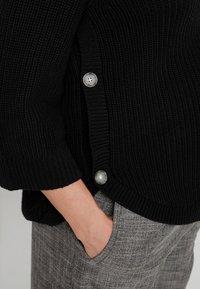 GAP Maternity - NURSING SIDE SLIT - Stickad tröja - true black - 5