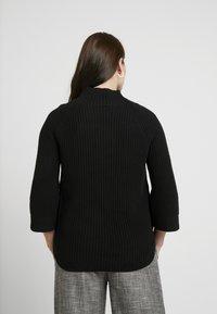 GAP Maternity - NURSING SIDE SLIT - Stickad tröja - true black - 2