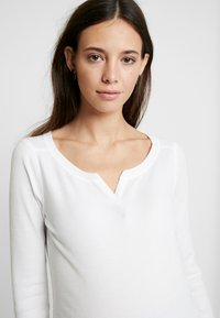 GAP Maternity - T-shirt à manches longues - white - 3