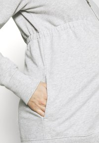 GAP Maternity - NEW ESSENTIAL BRUSHED ZIP HOODIE - Hettejakke - heather grey - 5