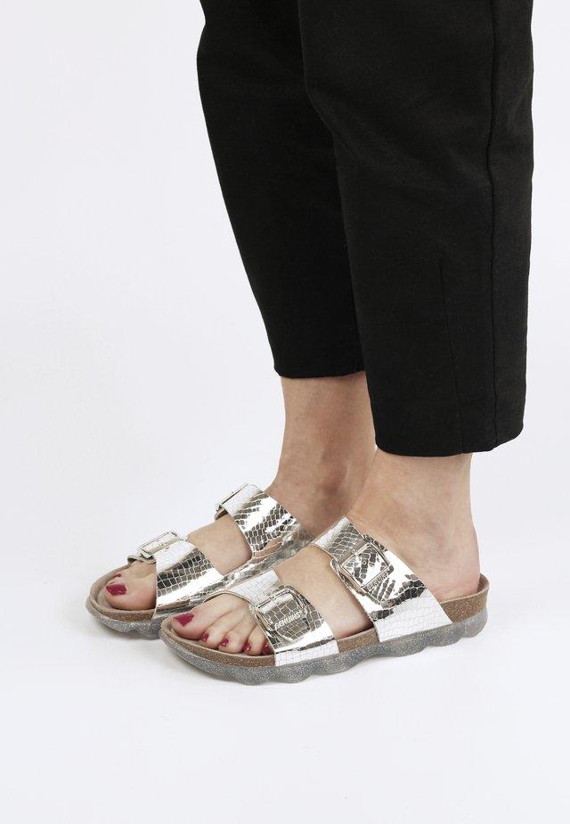 Pantolette flach - silber