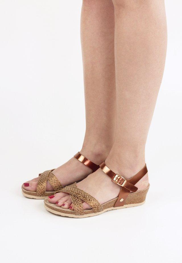 Sandalen met sleehak - bronze