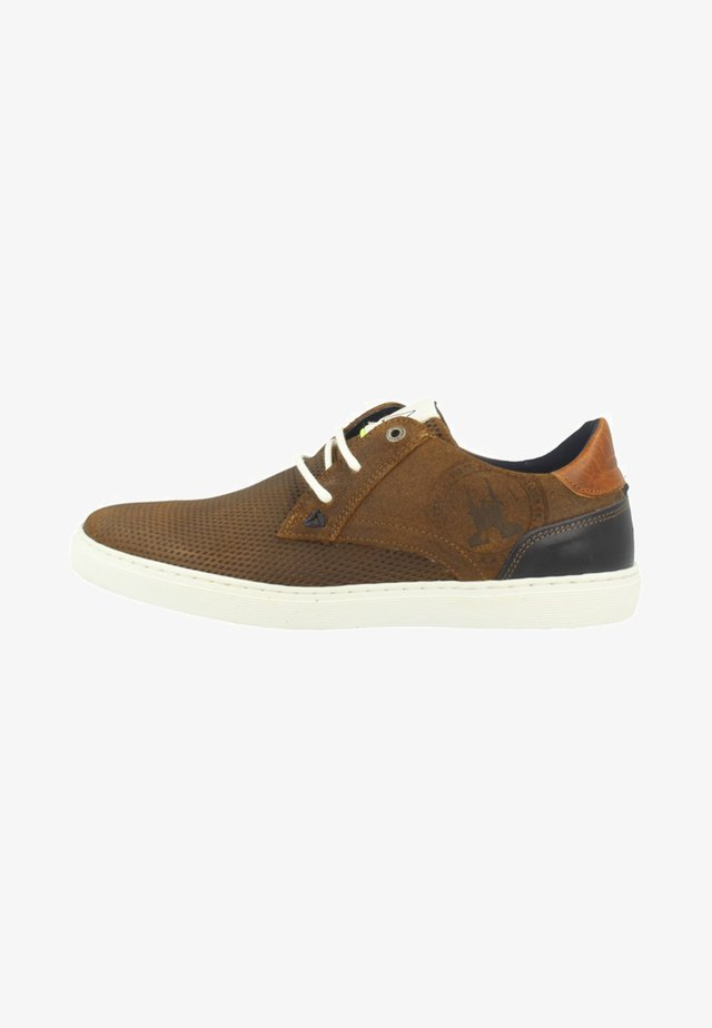 NUBUCK CHAPA PRISM / SUEDE - Sneaker low - cognac