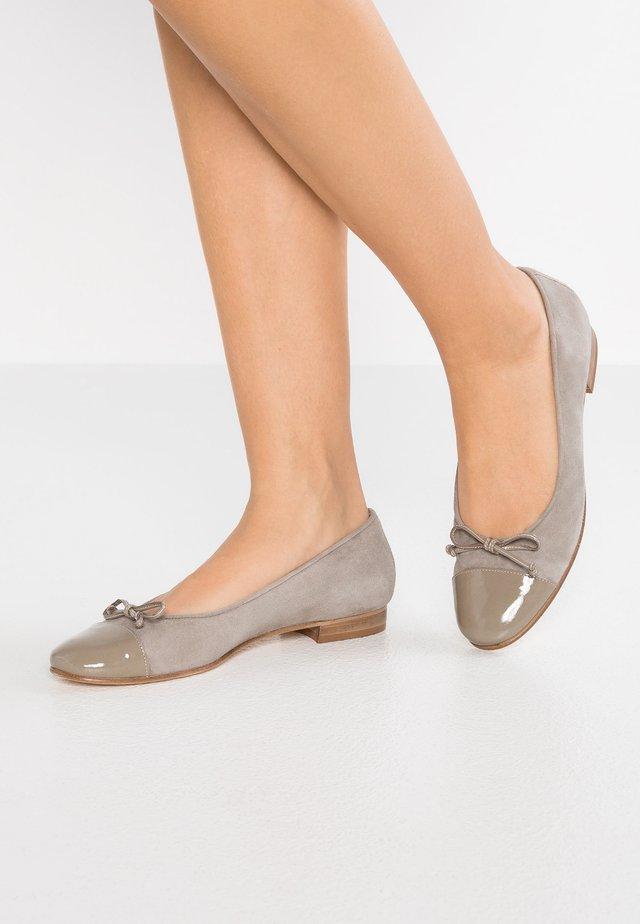 STEFY - Ballerina's - taupe