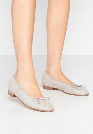 STEFY - Klassischer  Ballerina - cypria light