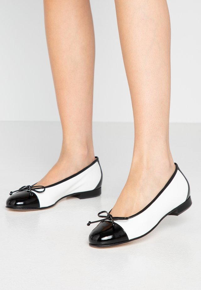 DOLLY - Ballet pumps - nero/bianco