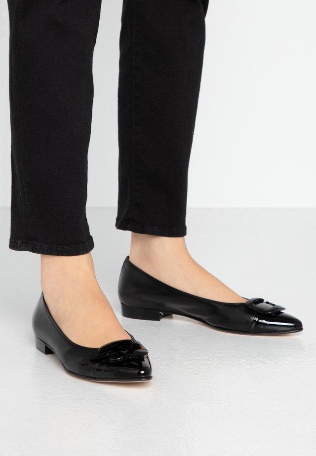 SISA - Ballet pumps - nero