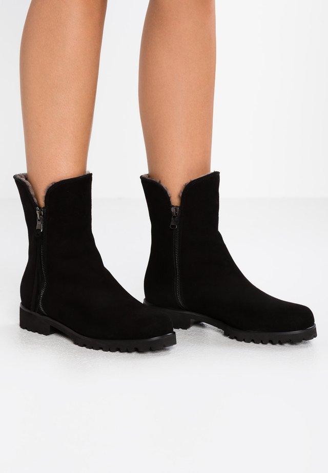 SILVIA - Winter boots - nero