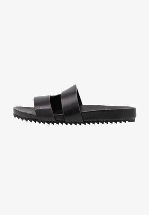 CHANNING - Pantofle - black