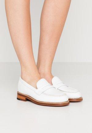 PHILIPPA - Nazouvací boty - white