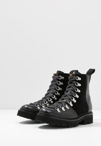 Grenson - NANETTE - Kotníkové boty na platformě - black - 4