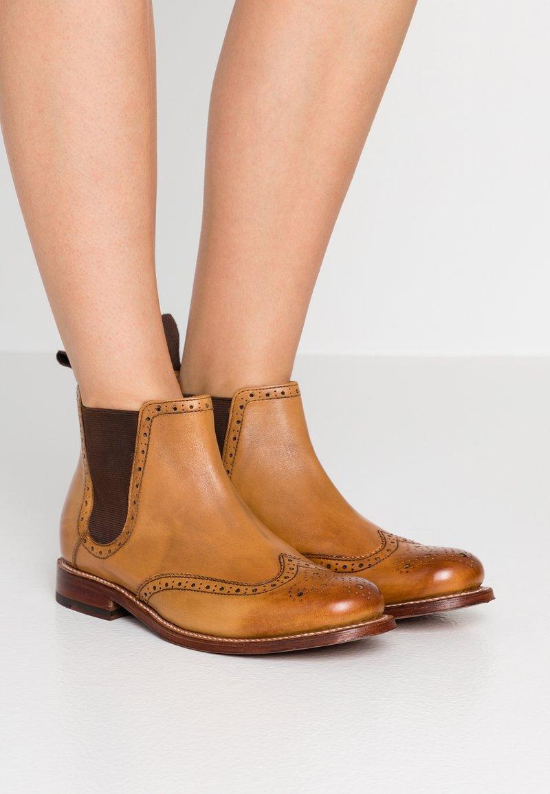 Grenson - JESSIE - Kotníková obuv - tan