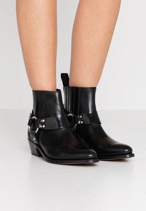 MARLEY - Cowboy/biker ankle boot - black