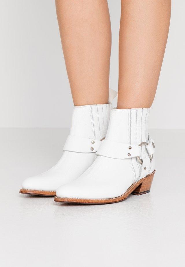 MARLEY - Cowboy/biker ankle boot - white