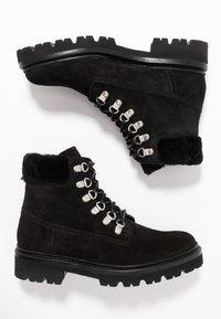 Grenson - BROOKE - Šněrovací kotníkové boty - black - 3