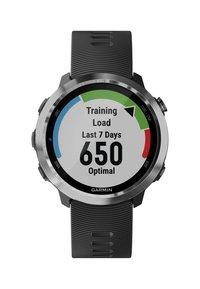 Garmin - FORERUNNER  - Smartwatch - black - 1