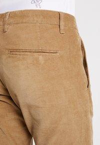 Gabba - PISA PANTS - Pantalon classique - light sand - 3