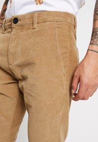 Gabba - PISA PANTS - Pantalon classique - light sand - 5